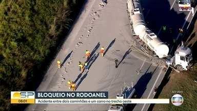 Bloqueio no Rodoanel - Acidente entre dois caminhões e um carro no trecho oeste.