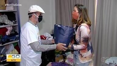 Igreja arrecada roupas e cobertores para doar a moradores de rua em Goiânia - Veja como doar.