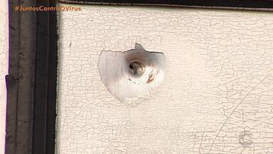 Moradores de Gravataí contam ter ouvido tiros que terminaram na morte de mulher por engano - Dorildes Laurindo foi atingida por tiros quando estava em um carro de aplicativo de carona dirigido por um foragido. O amigo dela, o angolano Gilberto Almeida, também foi baleado e ficou 12 dias preso por engano.