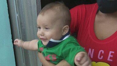 Bebê se engasga e é salvo pelo Corpo de Bombeiros - Bebê se engasga e é salvo pelo Corpo de Bombeiros