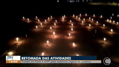 Empresários protestam com velas e pedem reabertura do comércio - Empresários protestam com velas e pedem reabertura do comércio