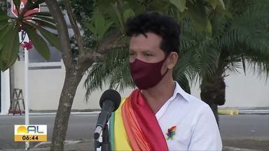 Grupo Gay de Maceió realiza campanha de arrecadação de donativos - Voluntários buscam as doações em domicílio.
