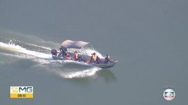 Bombeiros retomam buscas por jovem desaparecida em lagoa - Mulher teria caído de uma lancha na lagoa Várzea das Flores.