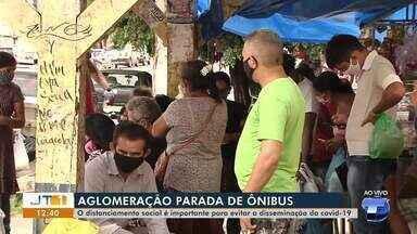 Santarenos têm se aglomerado em paradas de ônibus - Distanciamento deve ser observado para evitar mais casos de Covid-19.