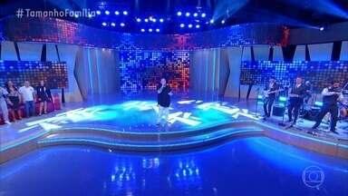 Ferrugem canta 'Pirata e Tesouro' no palco do Tamanho Família - Plateia canta junto