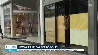 Petrópolis inicia nova fase de flexibilização do comércio sob questionamentos do MP - Novos setores puderam reabrir a partir desta segunda (15). MPRJ e MPF acompanham e questionam medidas adotadas pelo executivo para a retomada das atividades econômicas na cidade que tem 995 casos da Covid-19.