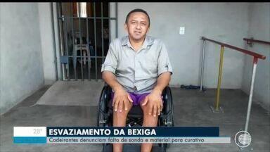 Cadeirantes reclamam da falta de sonda e medicamentos - Cadeirantes reclamam da falta de sonda e medicamentos