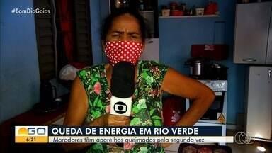 Problema na rede elétrica faz moradores perderem eletrodomésticos em Rio Verde - Não foi a primeira vez que a situação aconteceu.