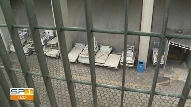 Funcionários do Hospital de Guaianases denunciam abandono de equipamentos na unidade - Profissionais relatam também que há alas fechadas no hospital, como a UTI Neo-natal. Unidade é referência no tratamento da Covid-19.