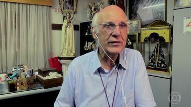 O padre Julio Lancellotti fala sobre as agressões que sofreu protegendo moradores de rua - Adriano conta que mesmo morando na rua tem uma coleção de livros