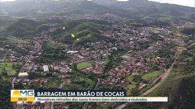 Barragem em risco: moradores retirados das casas tiveram bens destruídos e roubados - Há um ano e quatro meses, 156 famílias de Barão de Cocais, na região Central do estado, tiveram que deixar seus imóveis.
