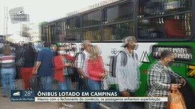 Superlotação de ônibus continua mesmo com fechamento do comércio nesta segunda - Passageiros reclamam de aglomeração dentro do transportes públicos em meio à pandemia,