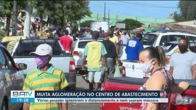 Centro de Abastecimento de Feira de Santana têm movimento intenso nesta terça-feira - Muita gente ignorou mas recomendações de isolamento e formaram aglomerações para comprar produtos típicos do São João.