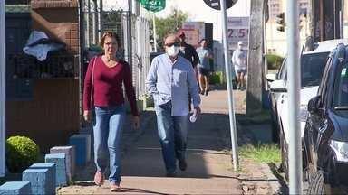 """Curitiba triplica número de casos da Covid-19 em menos de um mês - Secretária de Saúde da cidade fala que """"colapso está no horizonte""""."""