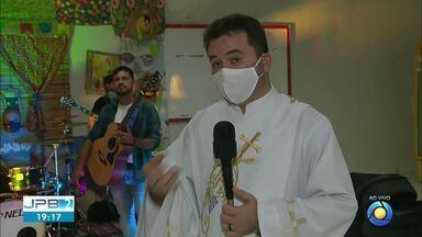 Igreja celebra missa e faz festa para homenagear São João - Santo mais popular de junho.