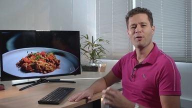 """Pedro Leonardo comenta receitas dos chefs de """"Mestre do Sabor"""" - O apresentador do Mais Caminhos que é conhecido carinhosamente como """"comilão"""", topou o desafio de comentar as receitas do programa da TV Globo."""