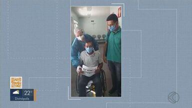 Paciente que estava na UTI recebe alta em Araxá - Dena Pereira Souza ficou sete dias na UTI da Santa Casa de Misericórdia e recebeu alta no fim de semana.