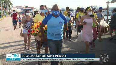 Procissão com poucos fiéis é realizada em homenagem a São Pedro em Santarém - Romaria fluvial deste ano foi realizada de forma diferente por conta da pandemia do novo coronavírus.