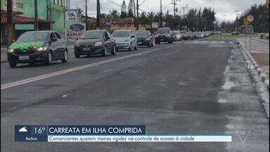 Comerciantes fazem carreata em Ilha Comprida contra rigidez em barreira sanitária - Medida impede a entrada de visitantes na cidade.