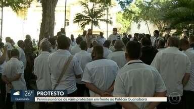 Motoristas de van fazem protesto no Rio - Permissionários de vans intermunicipais foram recebidos pelo governador Wilson Witzel.