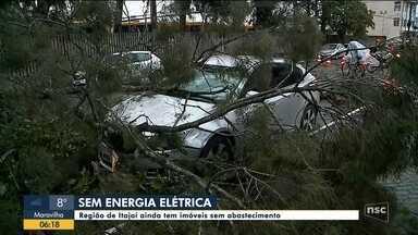 Imóveis da região de Itajaí amanhecem sem abastecimento de energia - Imóveis da região de Itajaí amanhecem sem abastecimento de energia