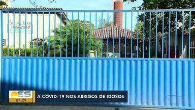Idosos se recuperam da Covid-19 e deixam hotel na Serra - Eles são acompanhados pelo Ministério Público