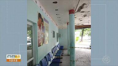 Telespectadores denunciam situação da marquise do Hospital Jesus Nazareno - Espaço está danificado.
