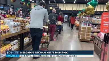 Movimento nos mercados aumentou no sábado por causa da obrigatoriedade de fechar domingo - Em Curitiba, o decreto determina que mercados fechem aos domingos.