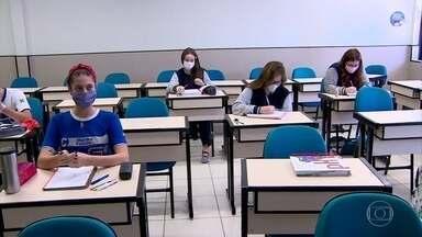 Manaus tem volta às aulas de escolas particulares - Faz parte do quarto ciclo de flexibilização do isolamento social, que só foi possível a partir da queda da taxa de morte do coronavírus.