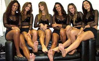 Exclusivo – Qual é o pé mais bonito entre as Coleguinhas do Caldeirão? - Atendendo a pedidos, queremos saber qual de nossas musas tem o pé mais bonito. Dê a sua opinião no site do Caldeirão!