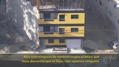 RJ1 - Íntegra 13/07/2020 - O telejornal, apresentado por Mariana Gross, exibe as principais notícias do Rio, com prestação de serviço e previsão do tempo.