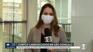Polícia investiga se corpos carbonizados encontrados em São Gonçalo, são de militares - Os corpos foram encontrados nesta segunda (13) por policiais militares, no bairro Pacheco, em São Gonçalo. Foi feita perícia, mas ainda não foi possível identificar os dois homens.