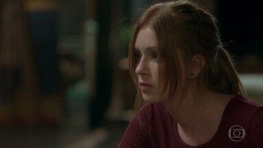 Eliza descobre que Maurice esteve na casa de sua mãe - undefined