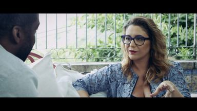 """Maria Rita - """"Não faço música porque eu gosto, faço pois minha sobrevivência depende disso"""". Maria Rita comenta o processo de produção de seu novo disco e a descoberta de sua paixão por cantar."""
