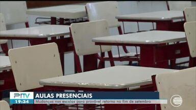 Turmas de estudantes da rede estadual se preparam para voltar em modo de revezamento - Turmas de estudantes da rede estadual se preparam para voltar em modo de revezamento