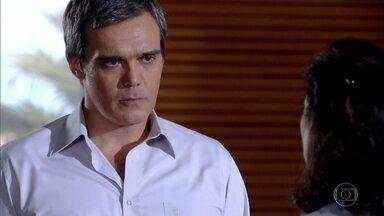 René rompe com Griselda - O chef vai à casa da ex-namorada buscar seus pertences. Griselda insiste que não fez nada de errado e só quis ajudar o amado