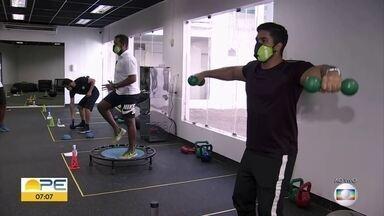 Academias de ginástica se preparam para voltar a funcionar no Recife - Estabelecimentos têm volta autorizada a partir de segunda-feira (20), mas precisam se adequar a novas regras para evitar infecções pela Covid-19
