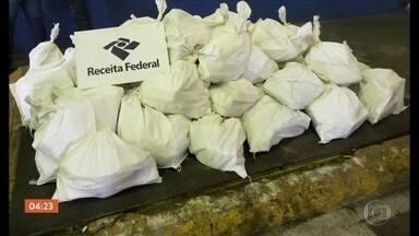 Polícia apreende mais de 600 kg de cocaína no Porto de Santos, SP - Polícia apreende mais de 600 kg de cocaína no Porto de Santos, SP.