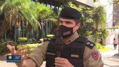 Advogada é detida depois de tentar atropelar PMs - Caso aconteceu no aglomerado Pedreira Prado Lopes.
