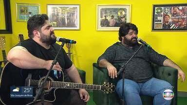 Dupla César Menotti & Fabiano canta sucessos da carreira em especial do MG1 - Dupla relembra sucessos para matar a saudade de festas juninas.