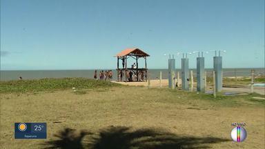 Praia do Farol São Tomé fica movimentada apesar do distanciamento social - População não está respeitando as medidas impostas em decretos.