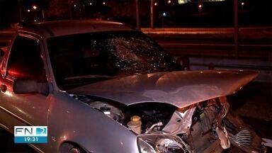 Acidente de trânsito deixa motociclista ferida em Presidente Prudente - Colisão ocorreu em trecho da Rodovia Raposo Tavares (SP-270).