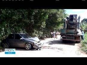 Três acidentes são registrados na região de Caratinga - Duas pessoas ficaram feridas em acidente na MG-329, entre Caratinga e Bom Jesus do Galho.