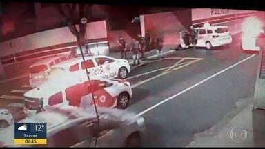 Polícia Civil diz que imagens divergem de versão de PM preso por matar homem em abordagem - Ouvidor das Polícias diz que crime é chocante e inaceitável
