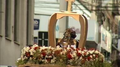 Carreata celebra Dia de Sant'Ana em Anápolis - Missas em homenagem à santa foram divididas para não gerar aglomerações.