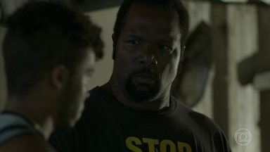 Durão agride Cascudo novamente - Cascudo anuncia que vai abandonar o esquema. Jennifer, Bola e Wesley encontram o rapaz desacordado na rua