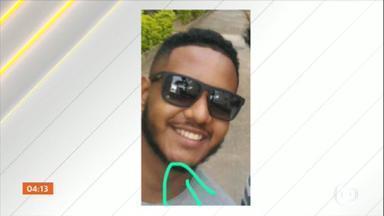Motorista de aplicativo é vítima de tiroteio na Praça Seca, Zona Oeste do RJ - O corpo de Caio de Jesus Barbosa será enterrado nesta quarta-feira. Ele voltava para casa, quando foi baleado.
