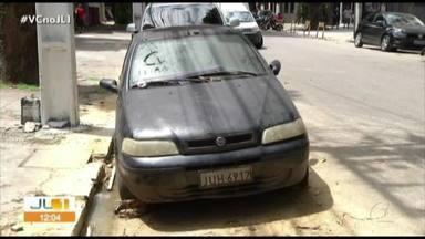 Moradores denunciam transtornos causados pelas sucatas em Belém - Veículos sucateados na cidade causam transtornos.