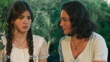 Filomena aconselha Mafalda a decidir se ama Romeu ou Zé dos Porcos - Mafalda sofre com seu amor dividido