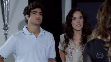 Patrícia avisa que Tereza Cristina terá que aceitar Antenor como seu noivo - Tereza Cristina discute com o filho de Griselda e tenta expulsá-lo de sua casa